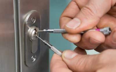 Comment crocheter une serrure de porte ?